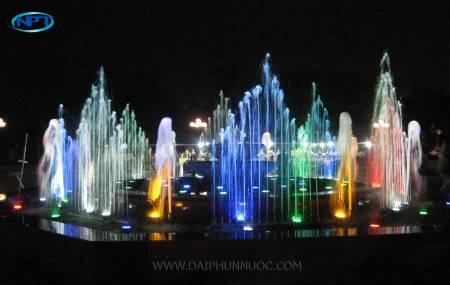 Đài phun nước tại Nhà Văn Hóa Việt - Nhật