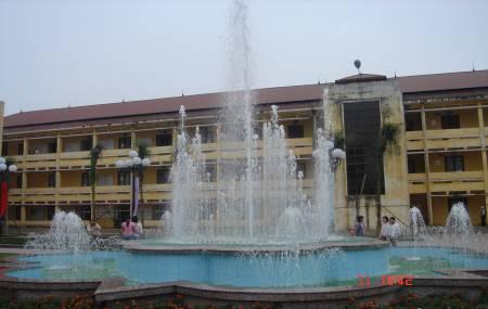 Đài phun nước tại ĐH Sư Phạm Thái Nguyên