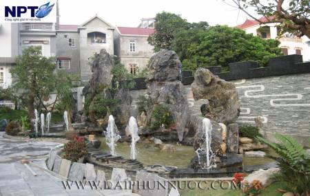Đài phun nước tiểu cảnh tại Làng Chèm - Hà Nội