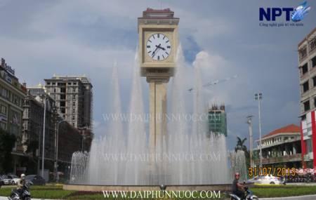 Đài phun nước tại cột đồng hồ trung tâm - TP Bắc Ninh